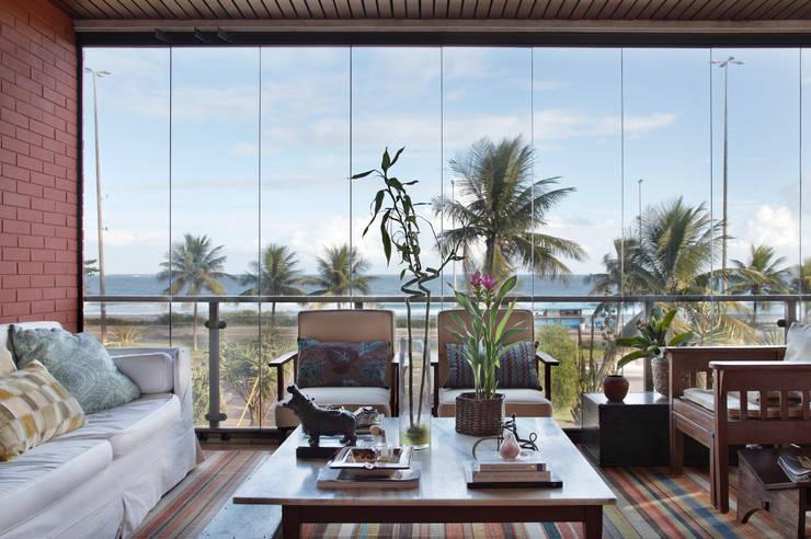 Terrazas de estilo  por Laura Boechat Arquitetura