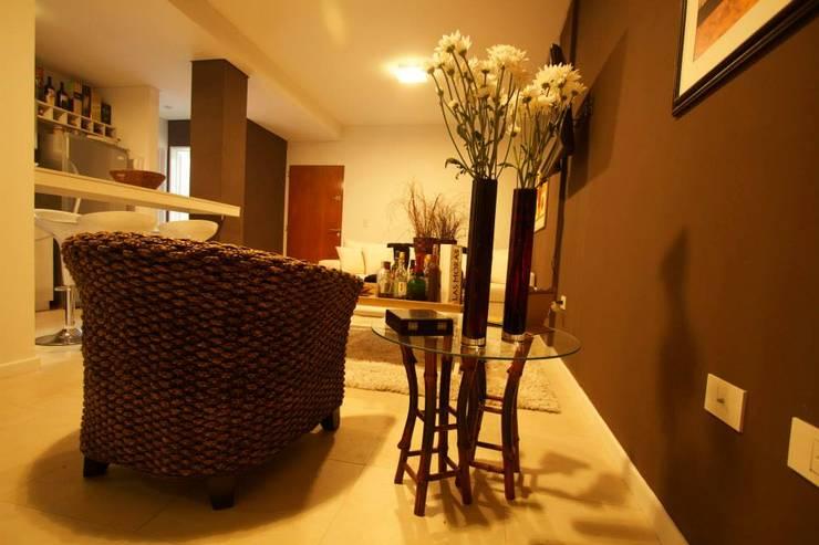 Living Room.: Livings de estilo  por canica`s