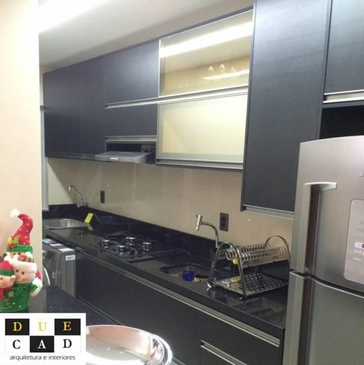 Favoritto – Ce: Cozinhas modernas por Duecad - Arquitetura e Interiores