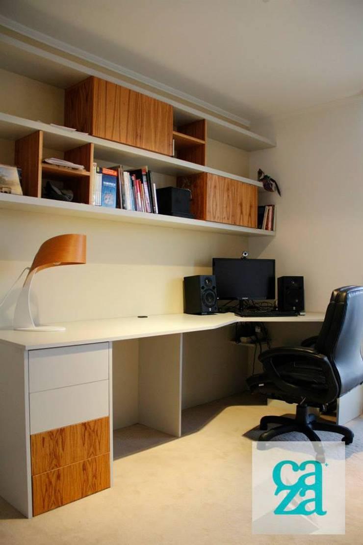 DEPARTAMENTO Y ATELIER: Estudios y oficinas de estilo  por caza Studio
