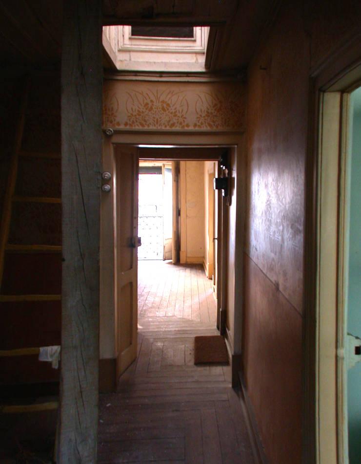 Reabilitação de prédio na Rua das Trinas:   por DNSJ.arq