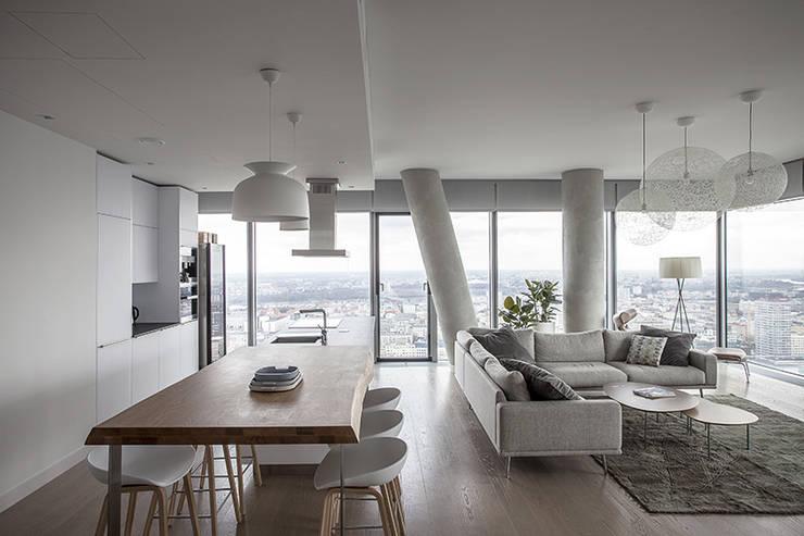 Apartament w Śródmieściu: styl , w kategorii Jadalnia zaprojektowany przez Zofia Wyganowska,Nowoczesny