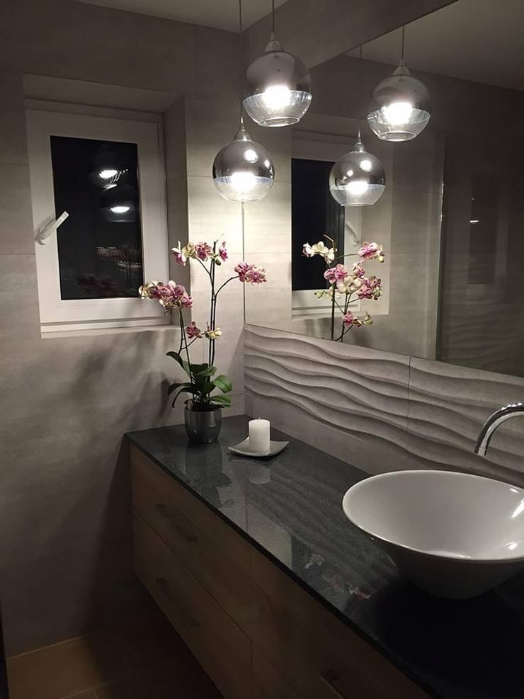 Modern style bathrooms by Pracownia Projektowania Wnętrz Karolina Czapla Modern