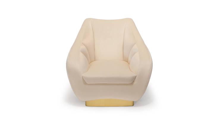 FIGUEROA SOFA: Sala de estar  por Be-Luxus