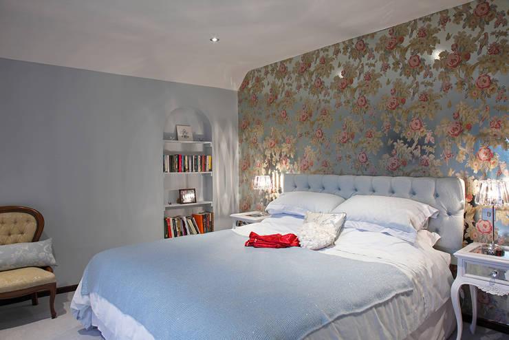 Bedroom Design: classic Bedroom by Quirke McNamara