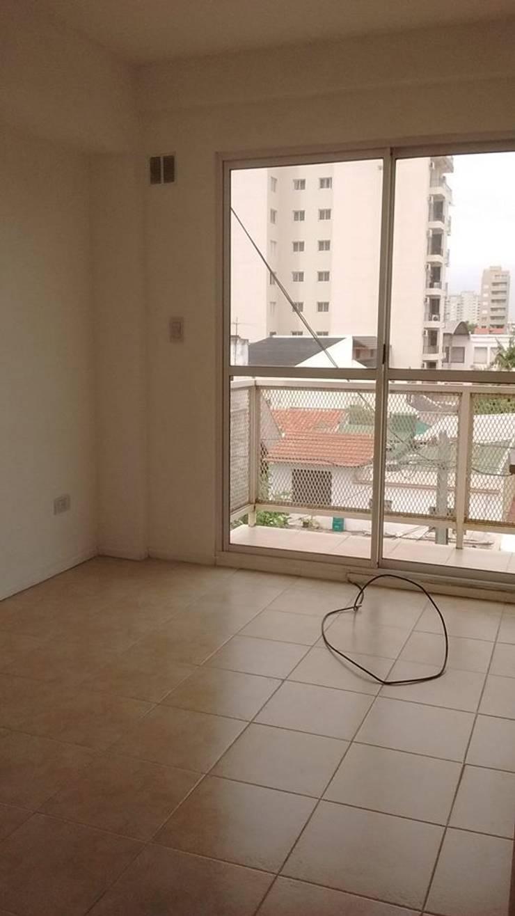 Departamento: Livings de estilo  por Perez Pando Inmobiliaria