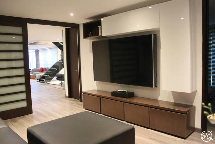 Espacios Interiores: Salas multimedia de estilo moderno por Home Reface - Diseño Interior CDMX