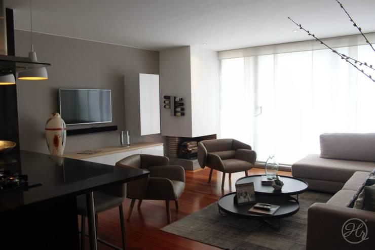 Salas de estilo  por Home Reface - Diseño Interior CDMX