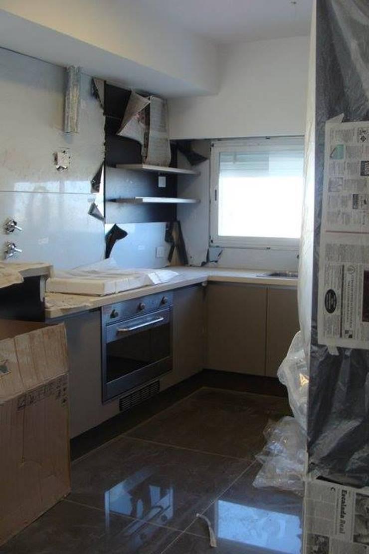 Casa A: Cocinas de estilo  por Prece Arquitectura,