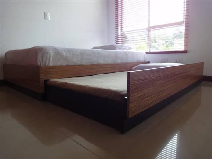Mobiliario y Espacios: Dormitorios de estilo  por B al Cubo