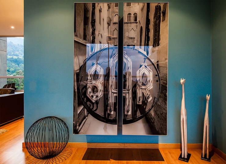 Hogar de estilo  por Cristina Cortés Diseño y Decoración