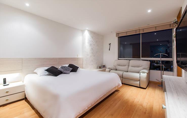 Habitacion Principal: Dormitorios de estilo  por Cristina Cortés Diseño y Decoración ,