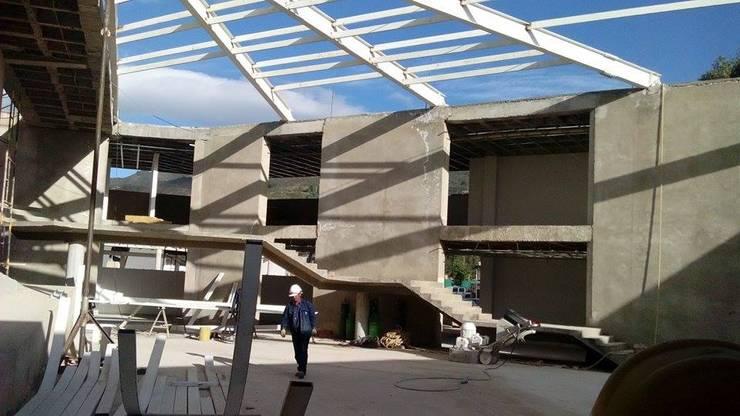 Mega hogar comunitario de Tocancipa:  de estilo  por OGGETTO ARQUITECTOS , Moderno