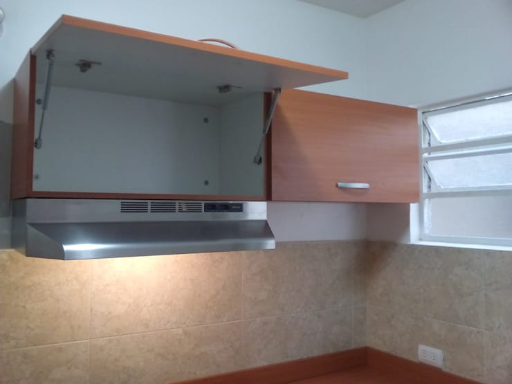 classic Kitchen by Grupo Creativo DF, C.A.