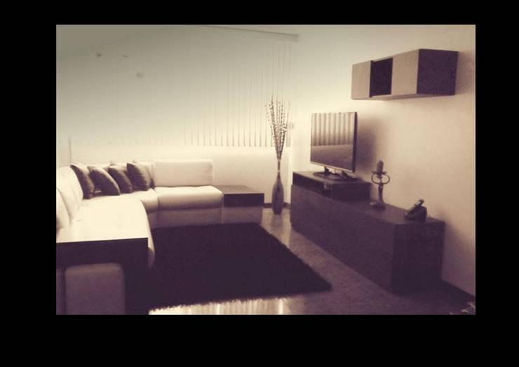 Centro de entretenimiento estilo Asiático: Salas/Recibidores de estilo  por Grupo Creativo DF, C.A.