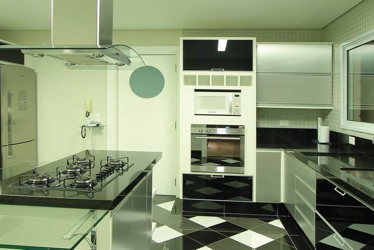 Cozinha: Cozinhas  por AD ARQUITETURA E DESIGN