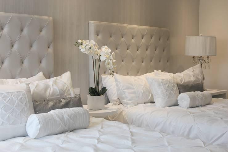 Habitación doble: Habitaciones de estilo  por Monica Saravia