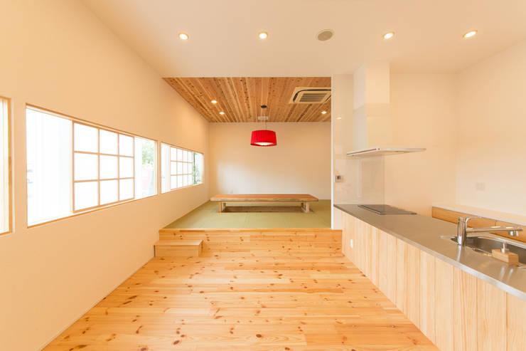 Eetkamer door 伊田直樹建築設計事務所