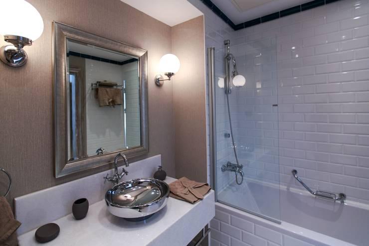 Casa de banho  por Ditto Mimarlık & Tasarım Boutique