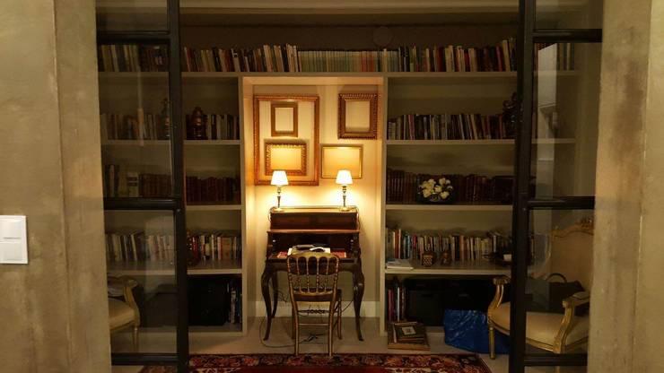 Remodelação Total de apartamento: Corredores e halls de entrada  por By N&B Interior Design