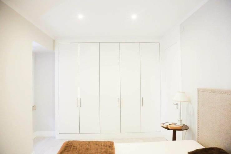 Remodelação Total de apartamento: Quartos  por By N&B Interior Design