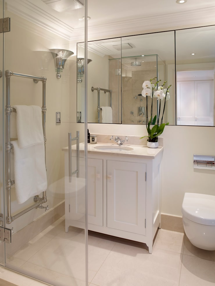 Bedroom One Ensuite: classic  by Jane Churchill Interiors, Classic