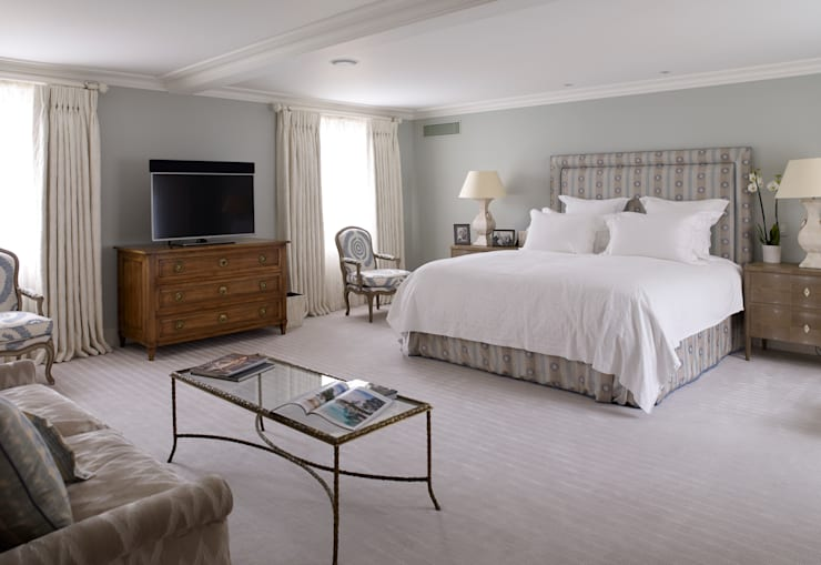 Master Bedroom: classic  by Jane Churchill Interiors, Classic