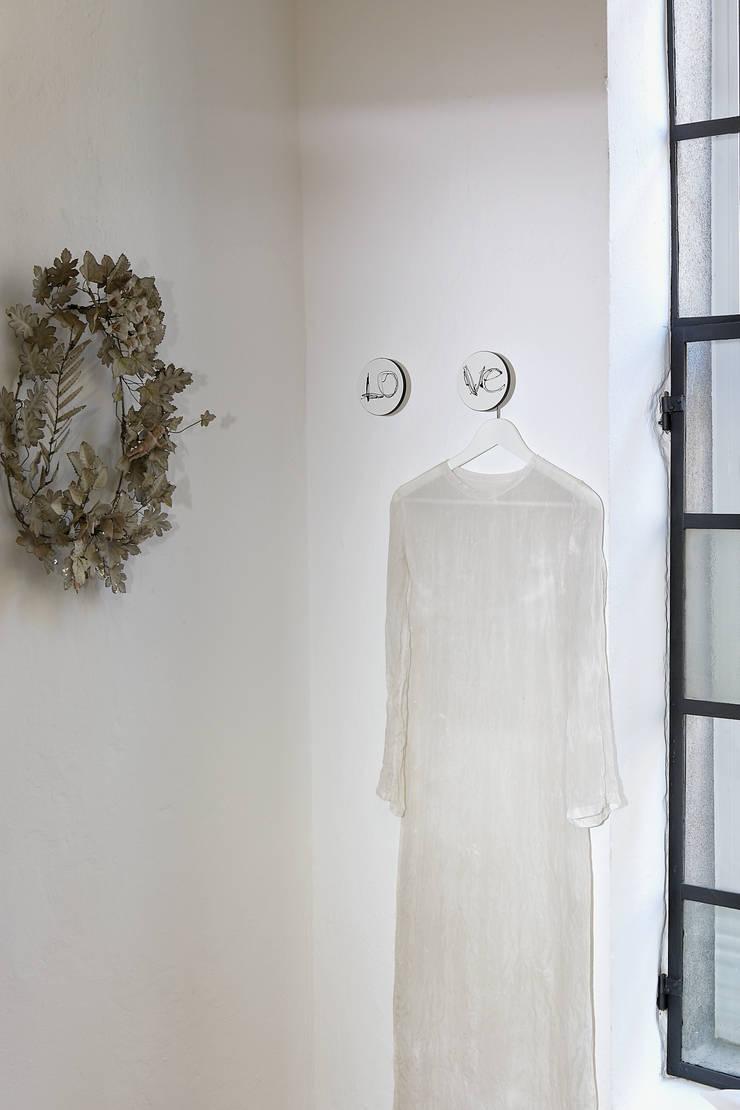 modern  by Creativando Srl - vendita on line oggetti design e complementi d'arredo, Modern MDF