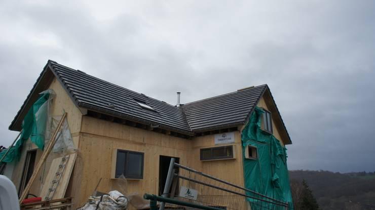 Maison passive et cabinet médical à Namêche (Andenne):  de style  par Bureau d'Architectes Desmedt Purnelle
