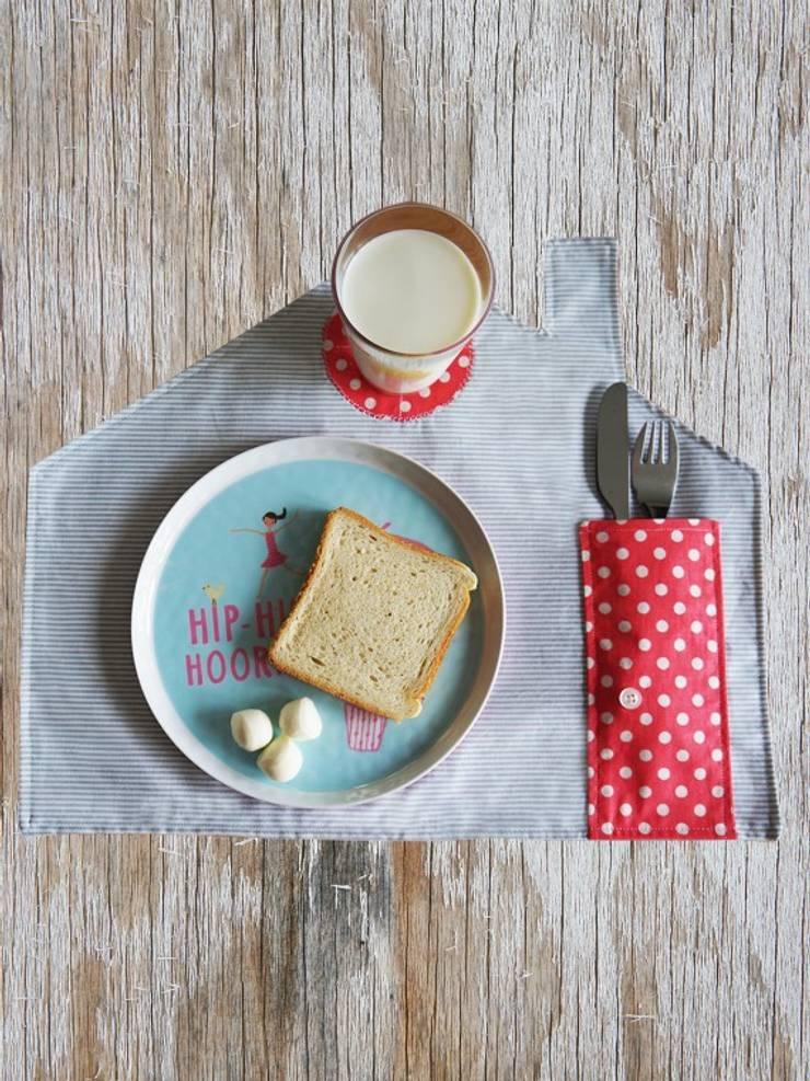 2 Stories – Banyo & Mutfak: modern tarz Çocuk Odası