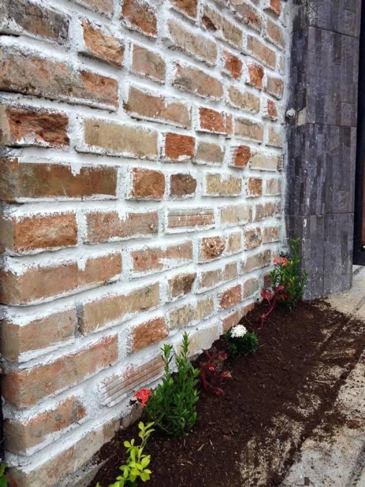 PROYECTO TAMESIS – ANTIOQUIA.: Casas de estilo rural por NIVEL SUPERIOR taller de arquitectura
