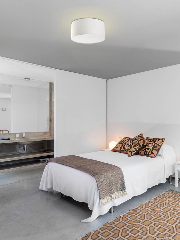 FARO Seven Deckenleuchte: klassische Schlafzimmer von Designort