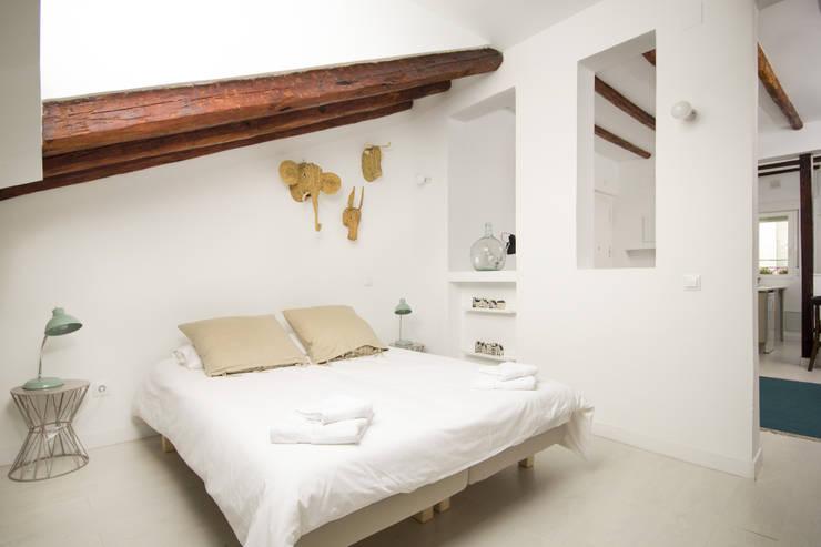 غرفة نوم تنفيذ Alejandro León Photo