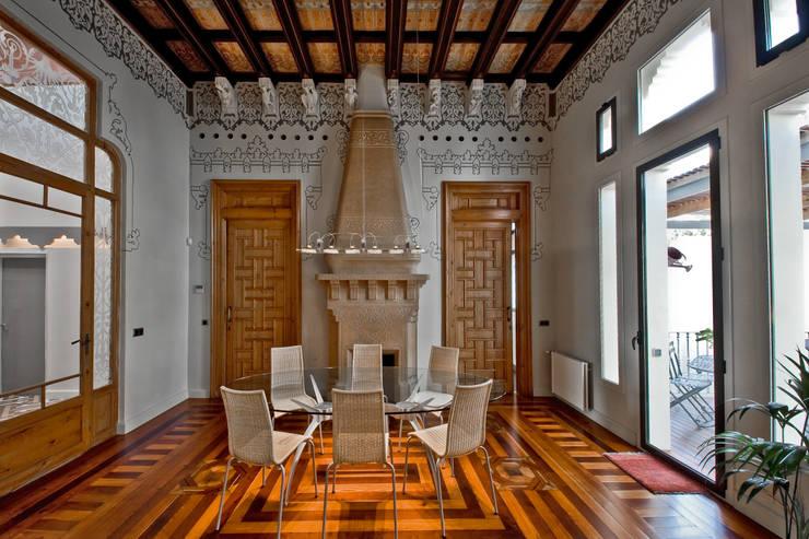 Dining room by APRIS GESTIÓ TÈNICA DE SERVEIS, SL