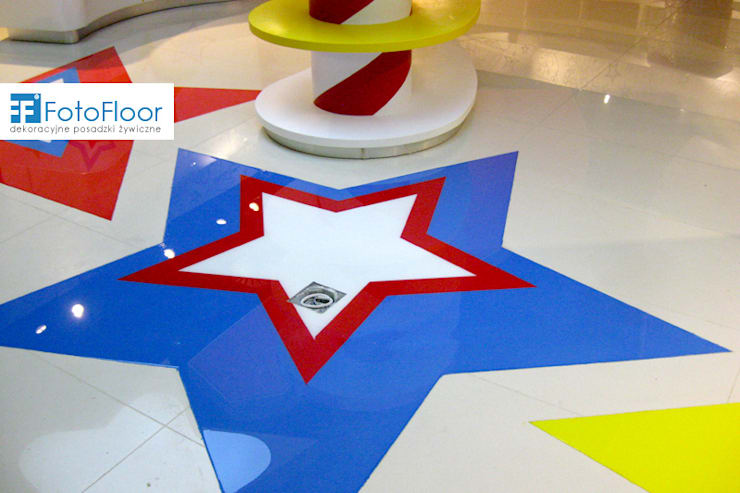 Posadzka graficzna - gwiazdy: styl , w kategorii Powierzchnie handlowe zaprojektowany przez FotoFloor