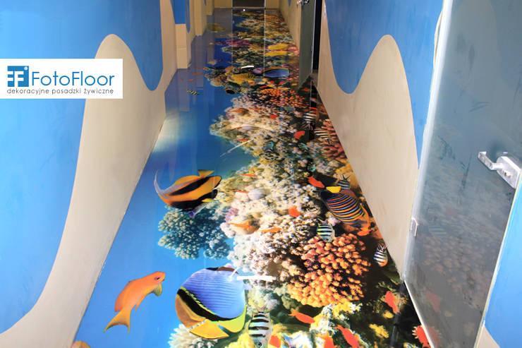 Podłoga 3D w korytarzu: styl , w kategorii Szkoły zaprojektowany przez FotoFloor,Nowoczesny