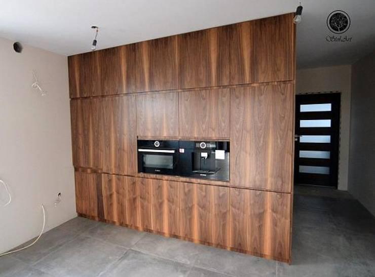 Schody dywanowe: styl , w kategorii  zaprojektowany przez Stol-Art Schody,Nowoczesny Drewno O efekcie drewna