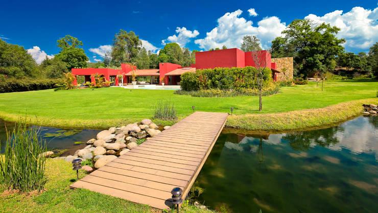 Casas de estilo moderno por Lopez Duplan Arquitectos
