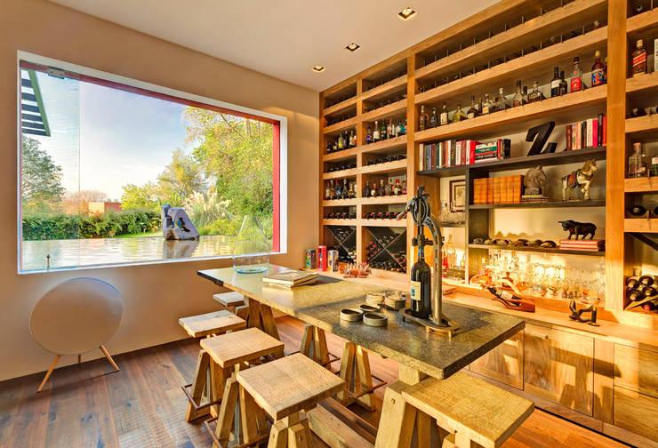 Casa las Moras : Salas de estilo moderno por Lopez Duplan Arquitectos