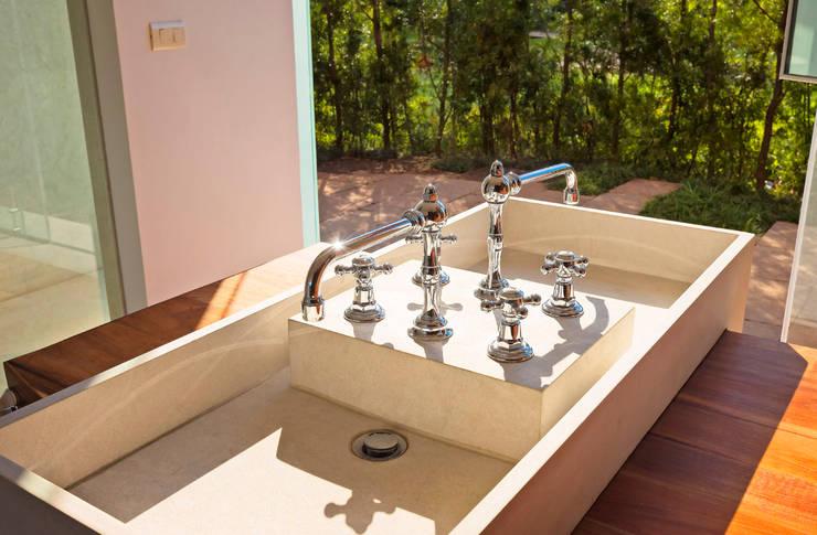 ห้องน้ำ by Lopez Duplan Arquitectos