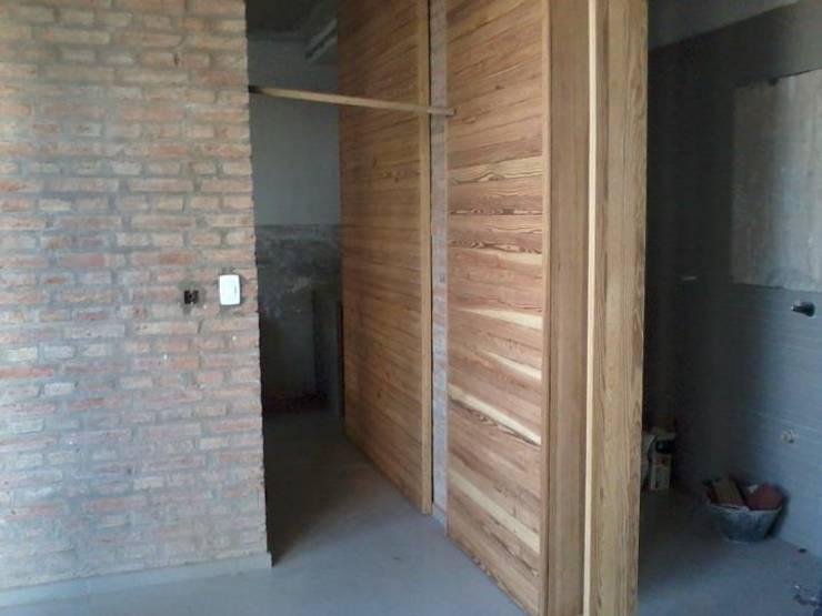 Casa MP: Paredes de estilo  por Prece Arquitectura