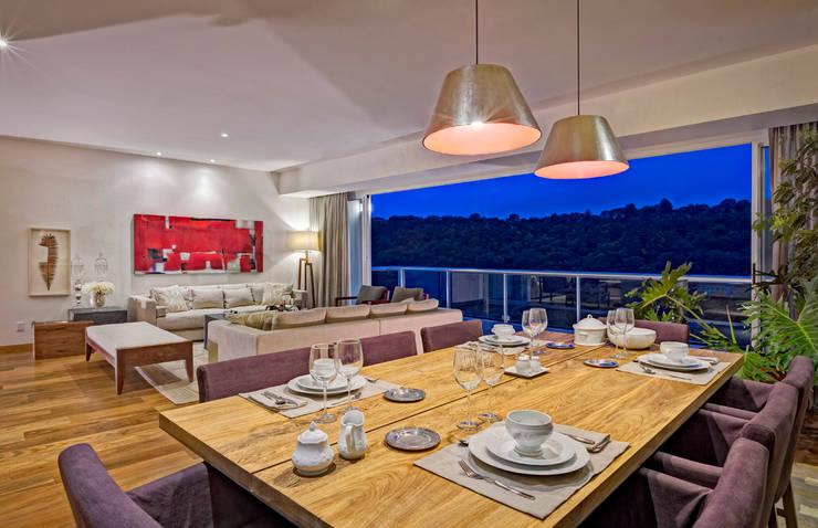 Comedores de estilo  por Lopez Duplan Arquitectos