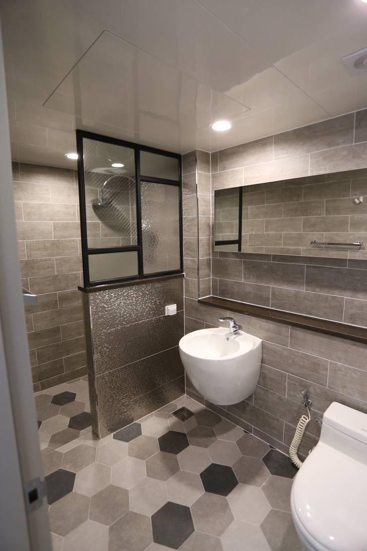 Ванные комнаты в . Автор – 디자인세븐