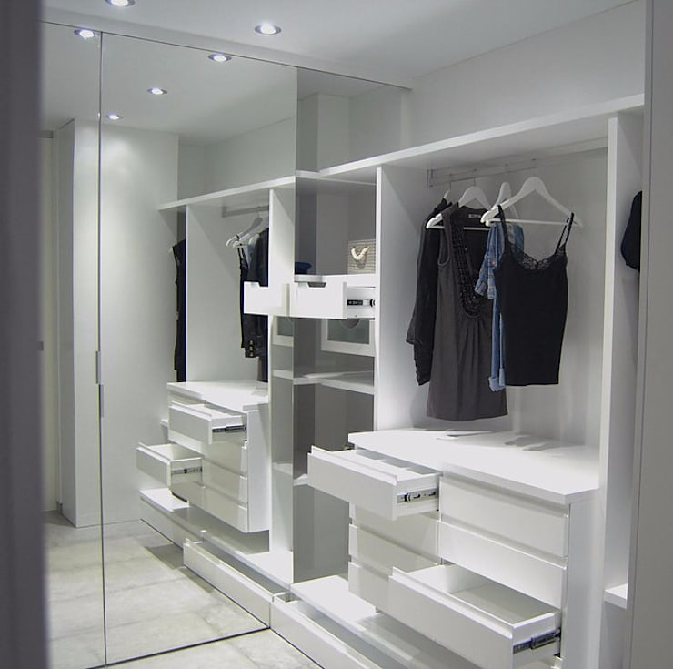 modern Dressing room by AG arquitectura Gorris