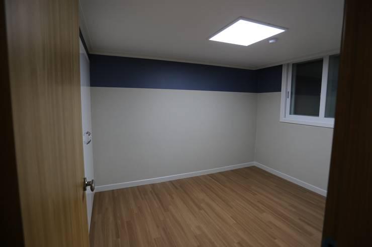 Bedroom by 디자인세븐