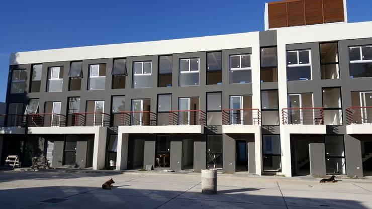 ORAN 1954:  de estilo  por Estudio GALAS Negocios Inmobiliarios