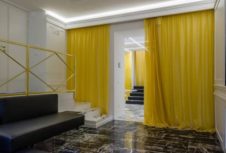 PCN LUXURY HOUSE: Soggiorno in stile  di FAUSTO DI ROCCO ARCHITETTO