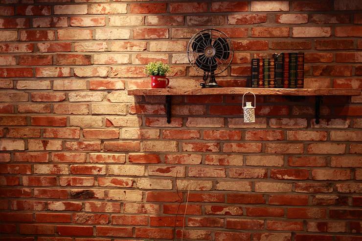 고벽돌 타일 : 다다벽돌의  거실