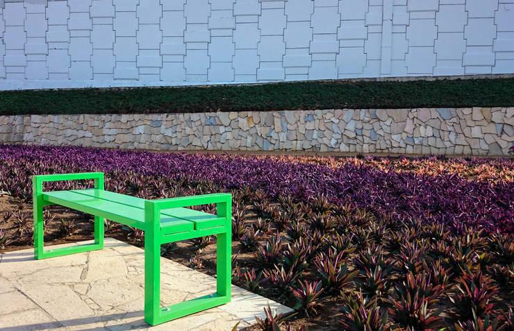 Banca Toluca sin respaldo: Jardín de estilo  por Diseño Neko