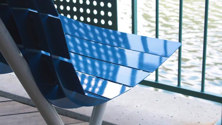 Banca Ola: Jardín de estilo  por Diseño Neko